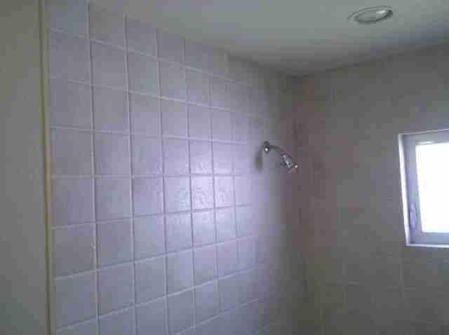 Porcelain Tile Shower Walls And Trim Detail